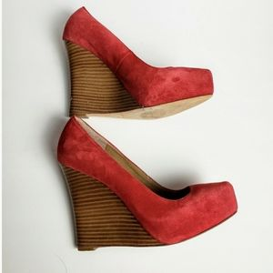 💛Ann Taylor Suede Lucia Wedge Heels Size 7